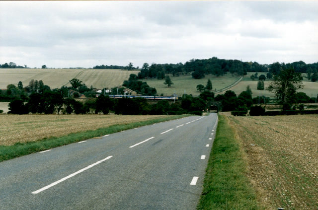 Road from Thrales End to East Hyde